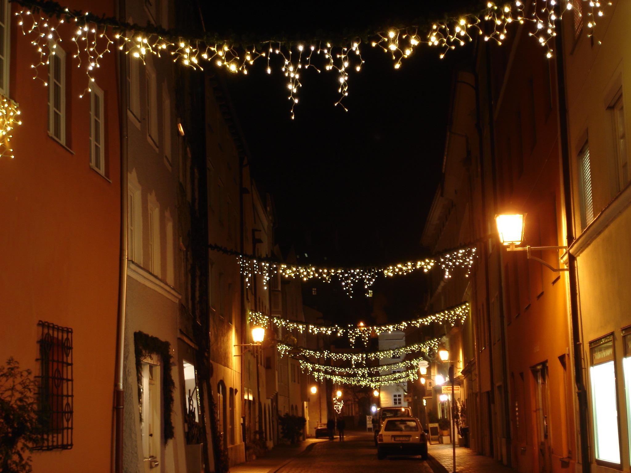 Weihnachtsbeleuchtung Auf Rechnung.Die Weihnachtsbeleuchtung In Der Altstadt Wirtschafts Förderungs